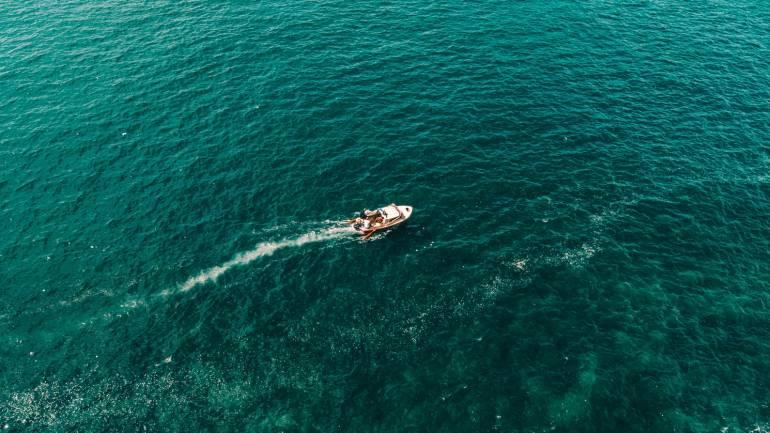 Des panneaux solaire pour votre bateau; être autonome au large, quelle liberté!